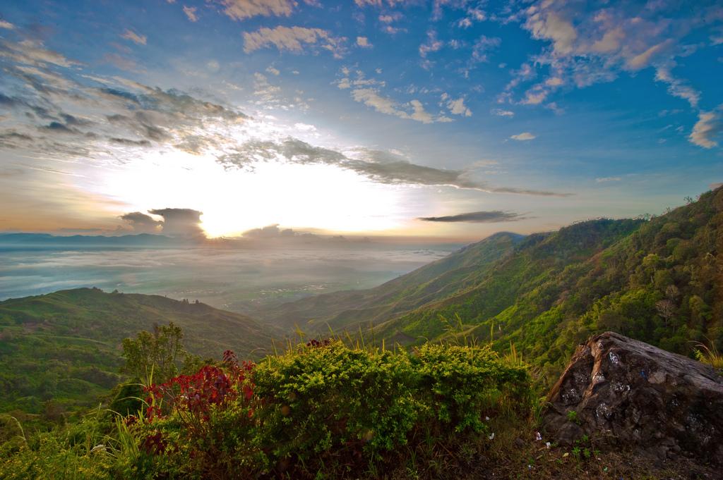 wisata Bukit Kayangan