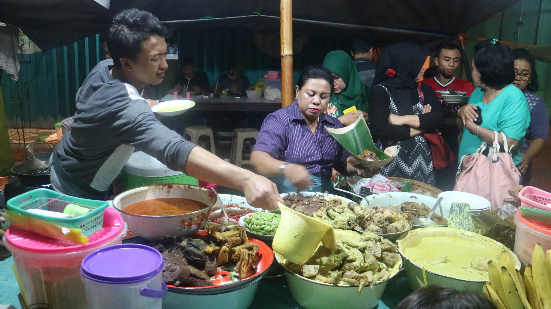 Gudeg Mbak Tum, Kuliner Malam Di Semarang