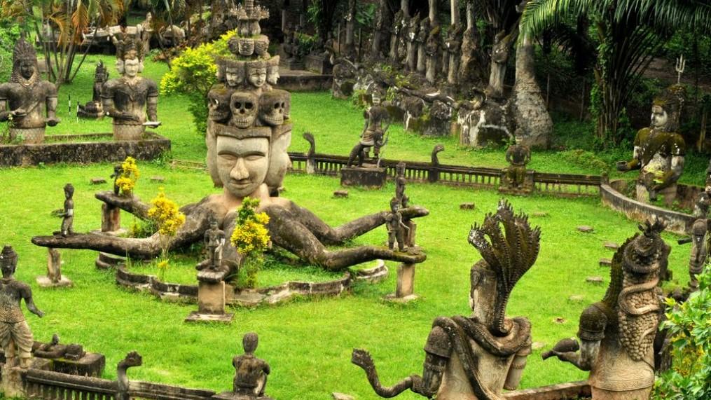 Ingin Liburan Bareng Pasangan Yuk Kunjungi Laos