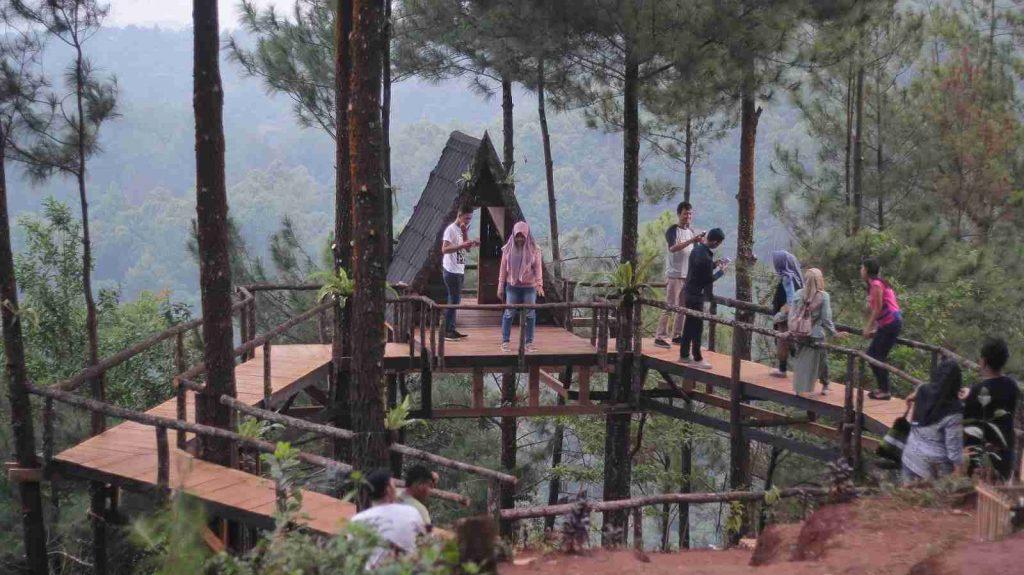 Rumah Pohon Pabangbon