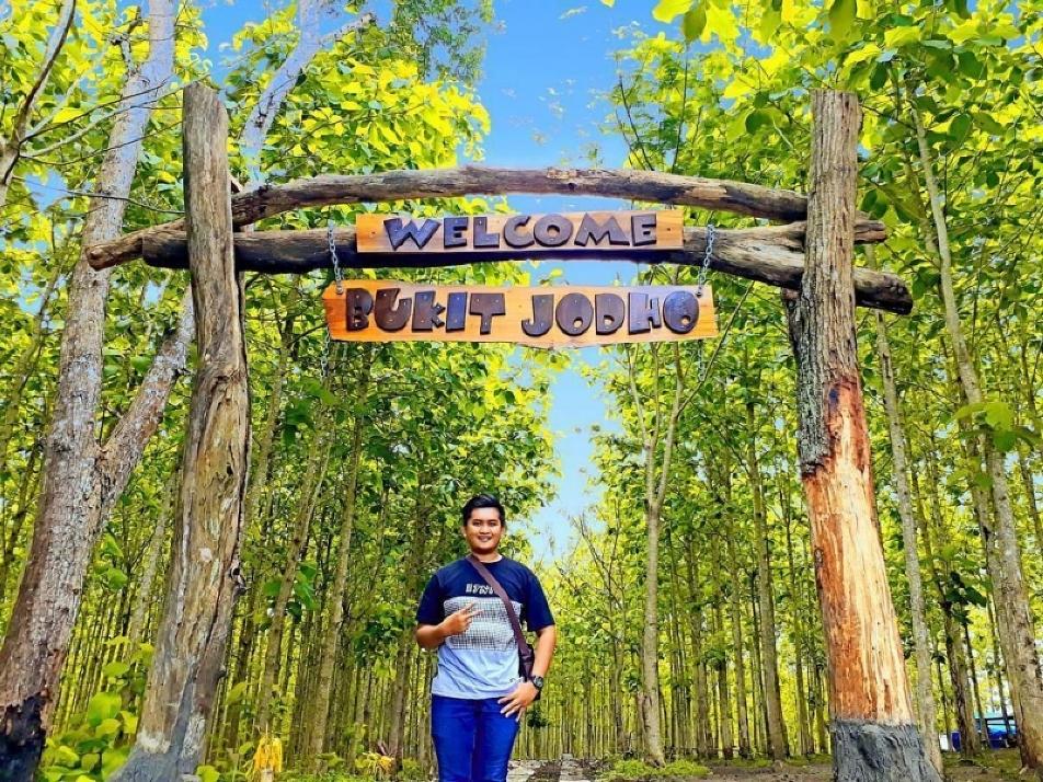 Tempat Wisata Bukit Jodho Tulung Agung