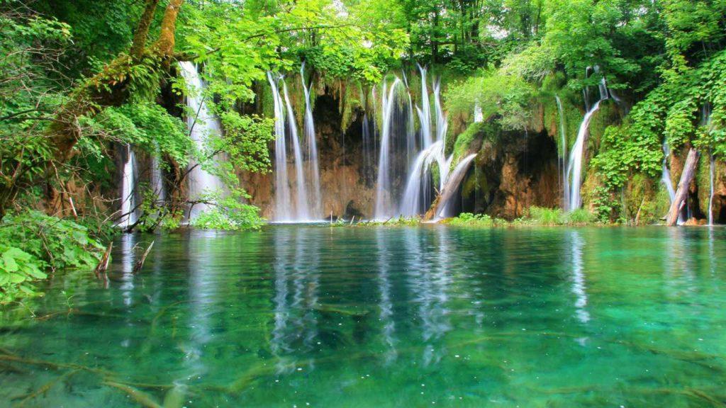 Travelling Ke Taman Nasional Danau Plitvice