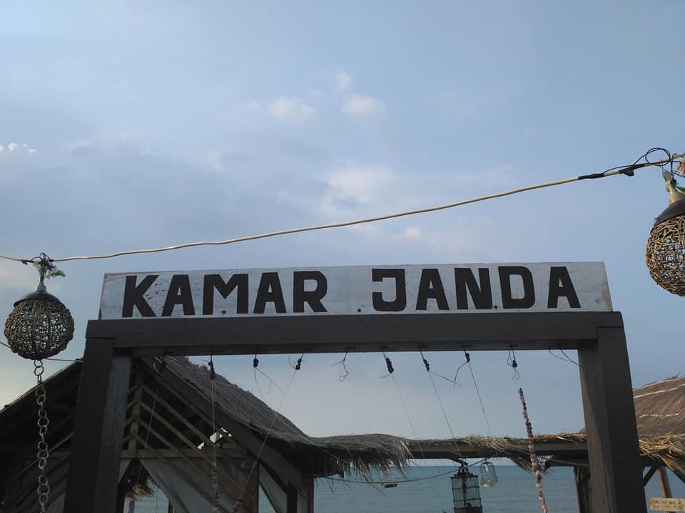 Wisata Pantai Jodoh Madura 2