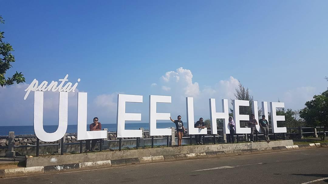 Wisata Pantai Ulee Lheue