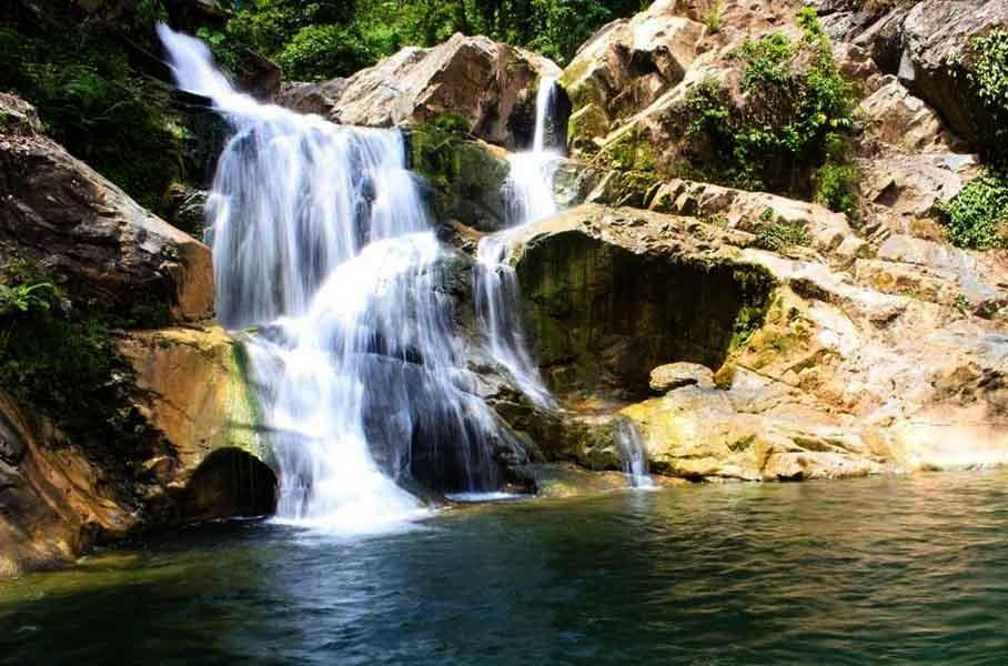 wisata Air Terjun Suhom