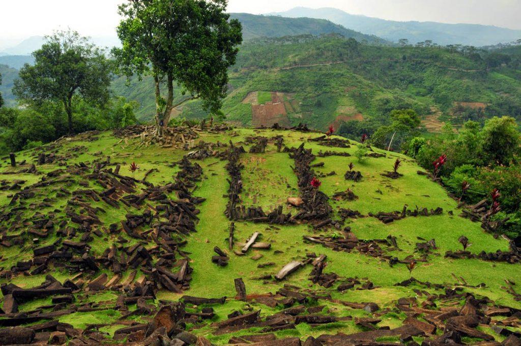 wisata heritage situs Gunung Padang