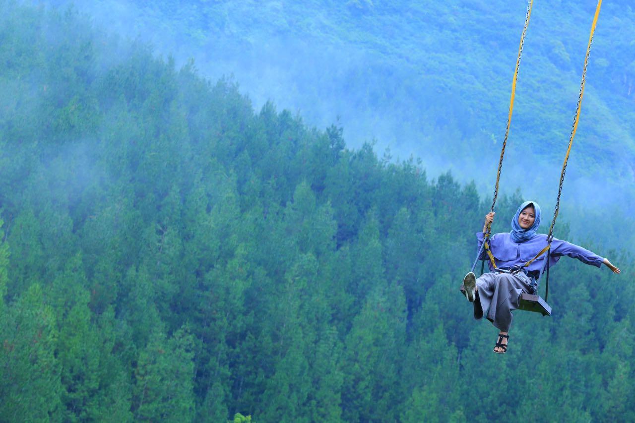 13 Lokasi Sky Swing yang Menantang