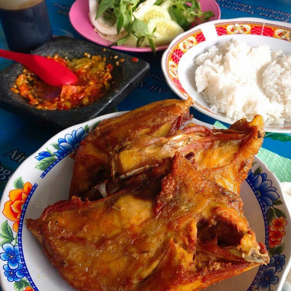 Ayam Goreng Bu Toha
