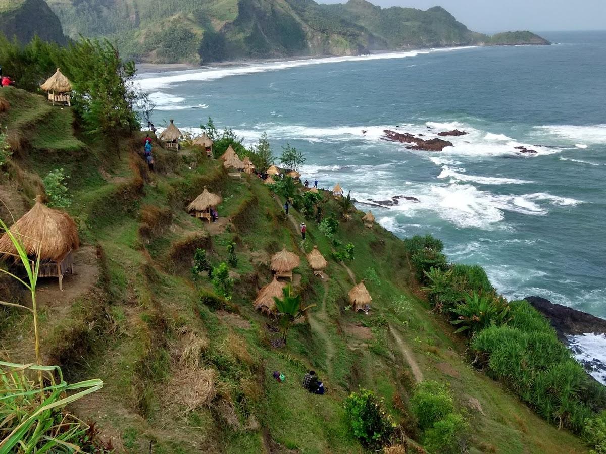 10 Rekomendasi Wisata Pantai di Pesisir Kebumen  Reservasiku.Com