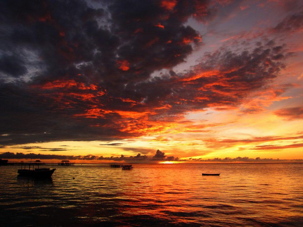 sunrise pulau derawan