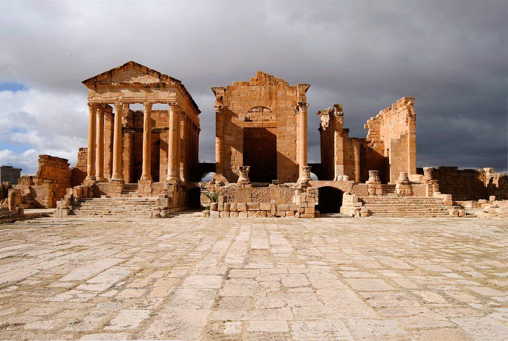 Kuil Sufetula Bernuansa Mistis Di Tunisia