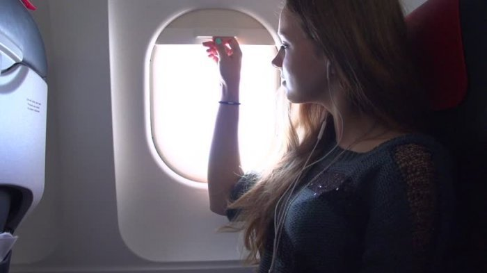 Jendela Di Pesawat