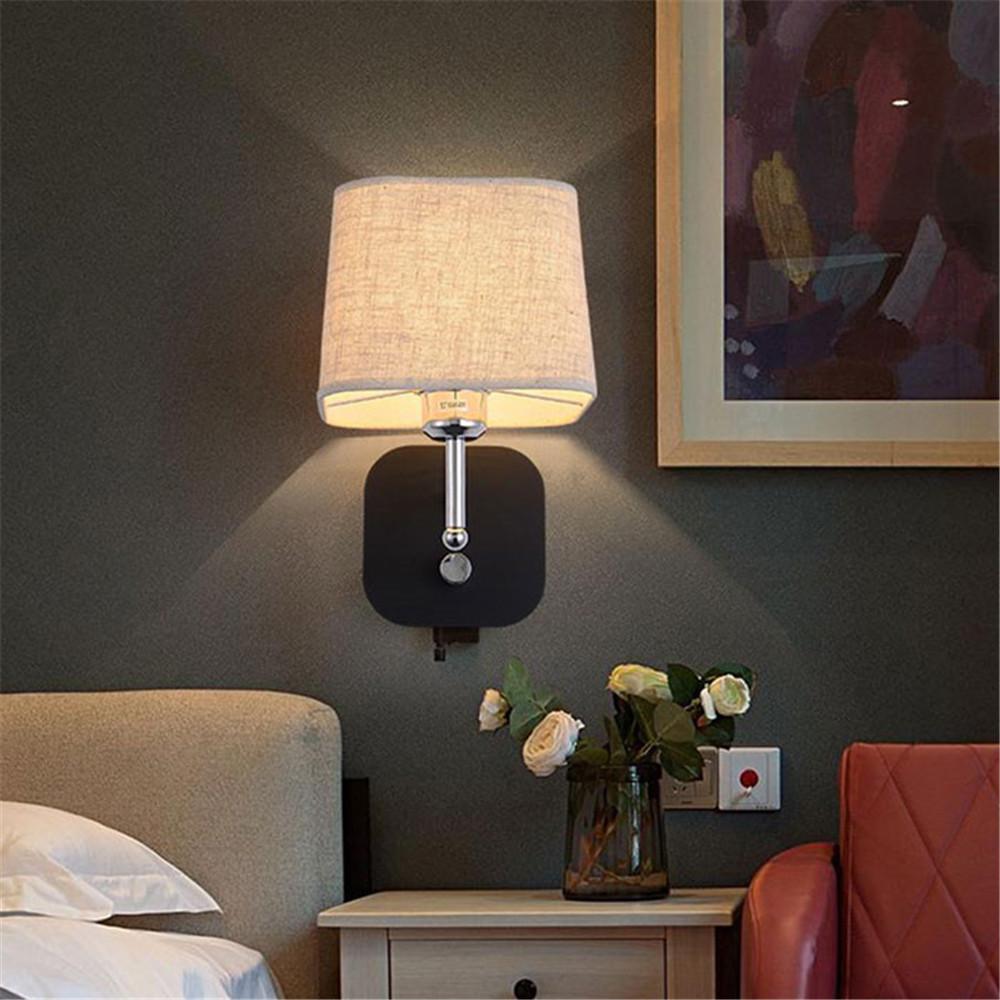 saklar lampu di kamar hotel