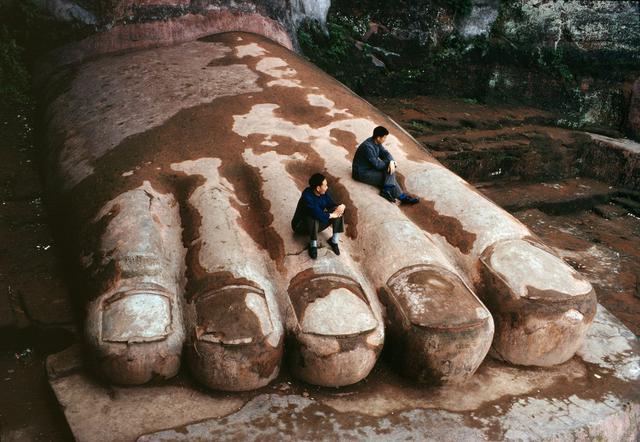 Bagian Kaki Dari Buddha Leshan Giant
