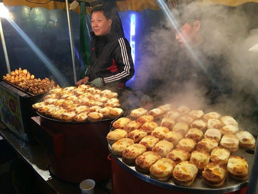 10 Street Food Korea Selatan Yang Wajib Kamu Cicipi di Myeongdong