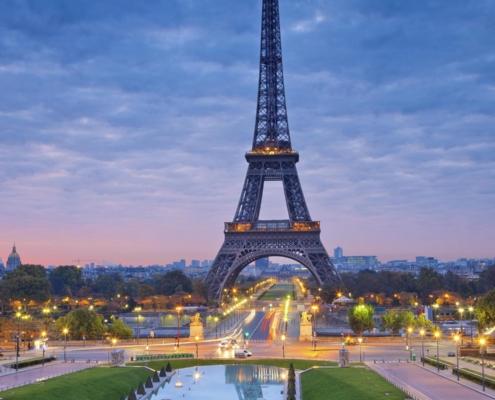 Pergi Bulan Madu Ke 5 Destinasi Wisata Romantis Perancis