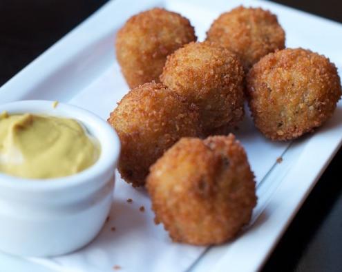 Lezatnya 10 Kuliner Halal Khas Belanda Yang Wajib Di Cicipi