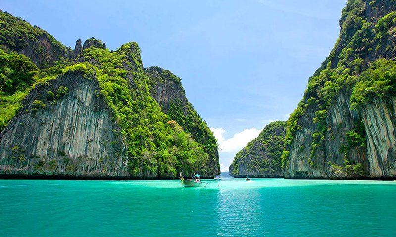 5 Tips Travelling Ke Papua Agar Perjalanan Anda Lebih Mengasikan