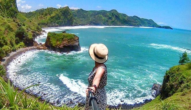 Menemukan 7 Lokasi Wisata Pantai Jawa Yang Eksotis Dan Mengagumkan 3