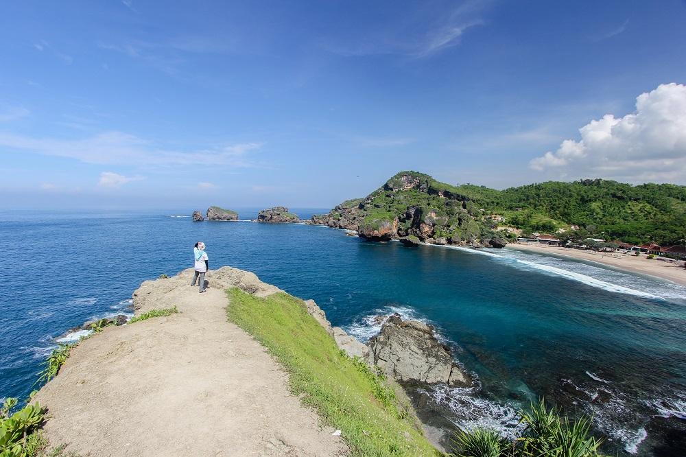 Menemukan 7 Lokasi Wisata Pantai Jawa Yang Eksotis Dan Mengagumkan 4