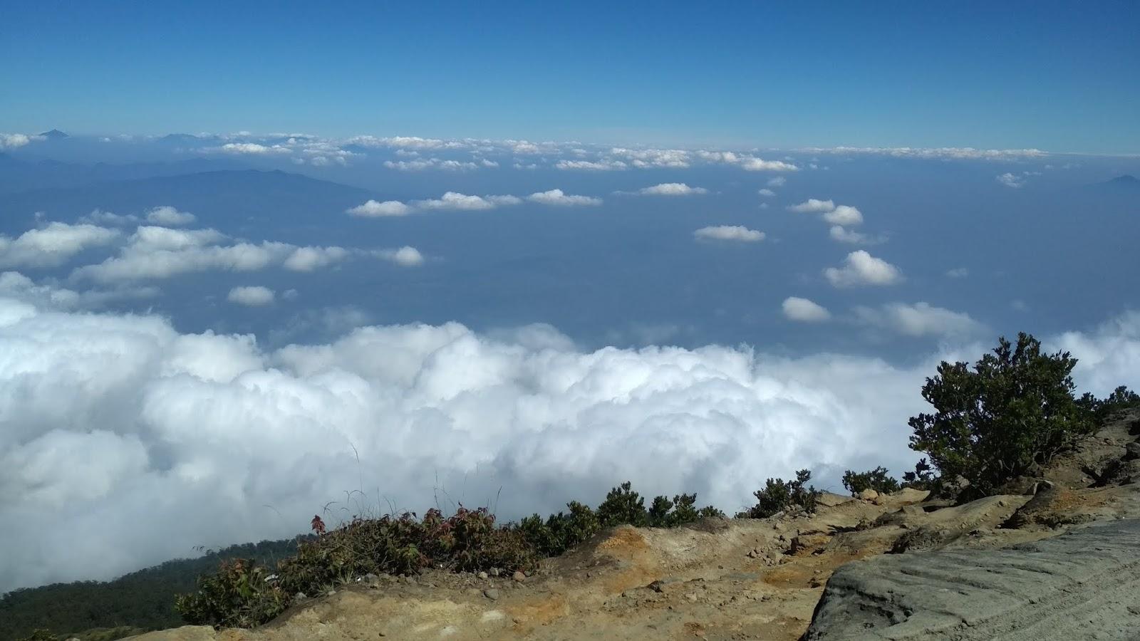 Kabar Gembira Kini Pendakian Gunung Ciremai Sudah Kembali Di Buka Reservasiku Com