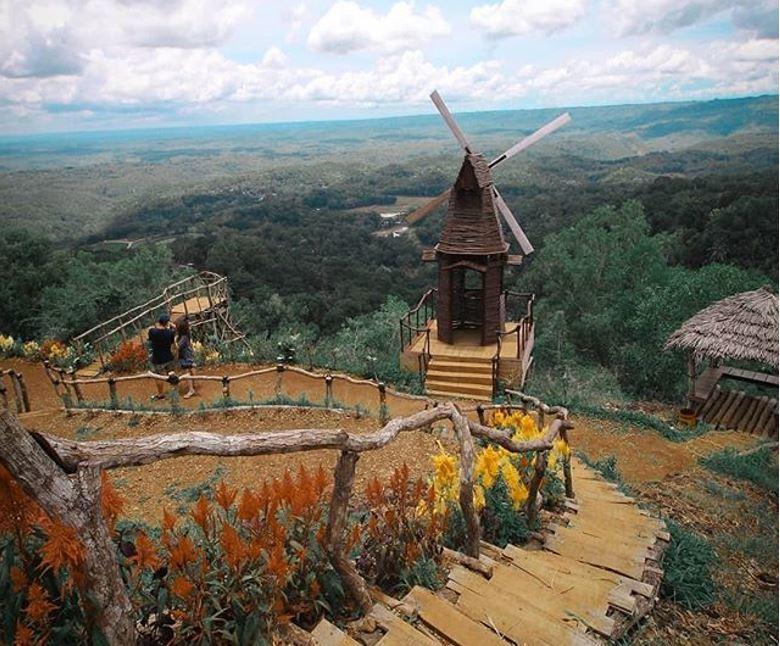 Berwisata Ke Negeri Dongeng Yogyakarta Songgo Langit Yang Indah Reservasiku Com